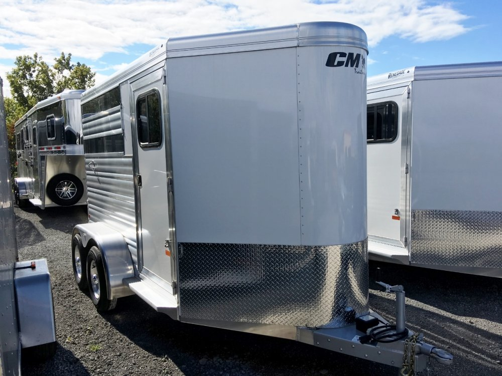 CM Trailers Aluminum 2 Horse Slant BP W/Dress Room, Windows & Air Gaps