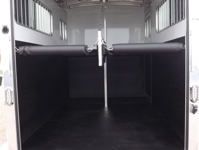 black blue ribbon 2 horse bumper pull trailer interior