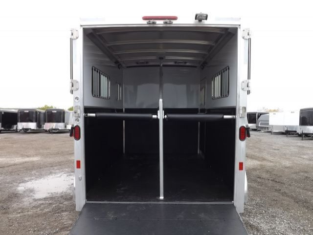 exiss 2 horse straight load bumper pull trailer interior