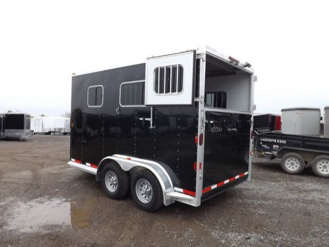 exiss 2 horse straight load bumper pull trailer rear curtain doors open